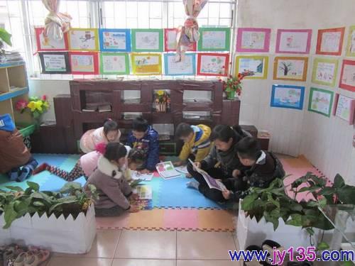 容县二幼组织教师赴玉林市实验幼儿园参观幼儿区域活动