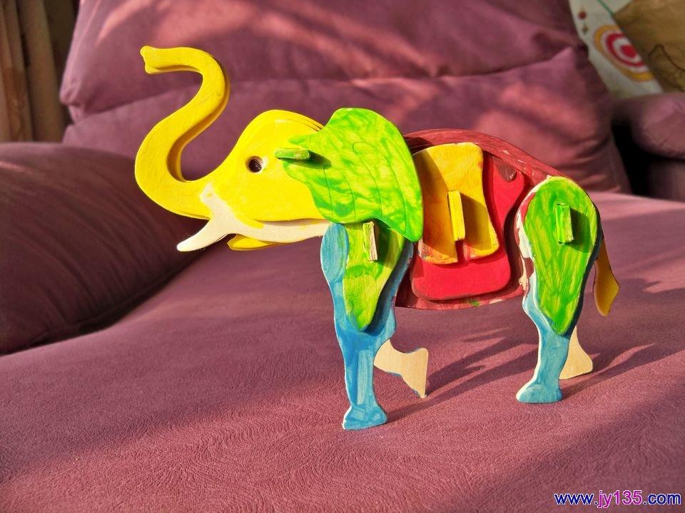 大象点彩画步骤